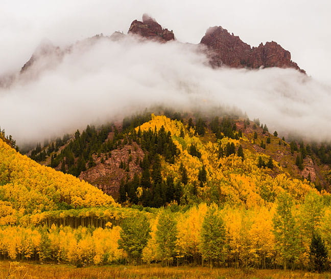 Maroon Bells, fall leaves, hiking